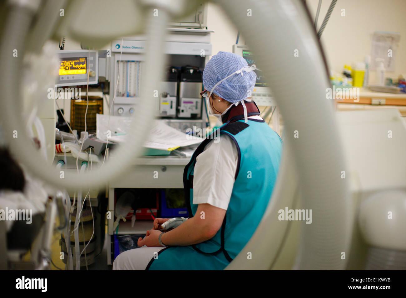 Cardiac surgery - Anesthesiologist - Stock Image