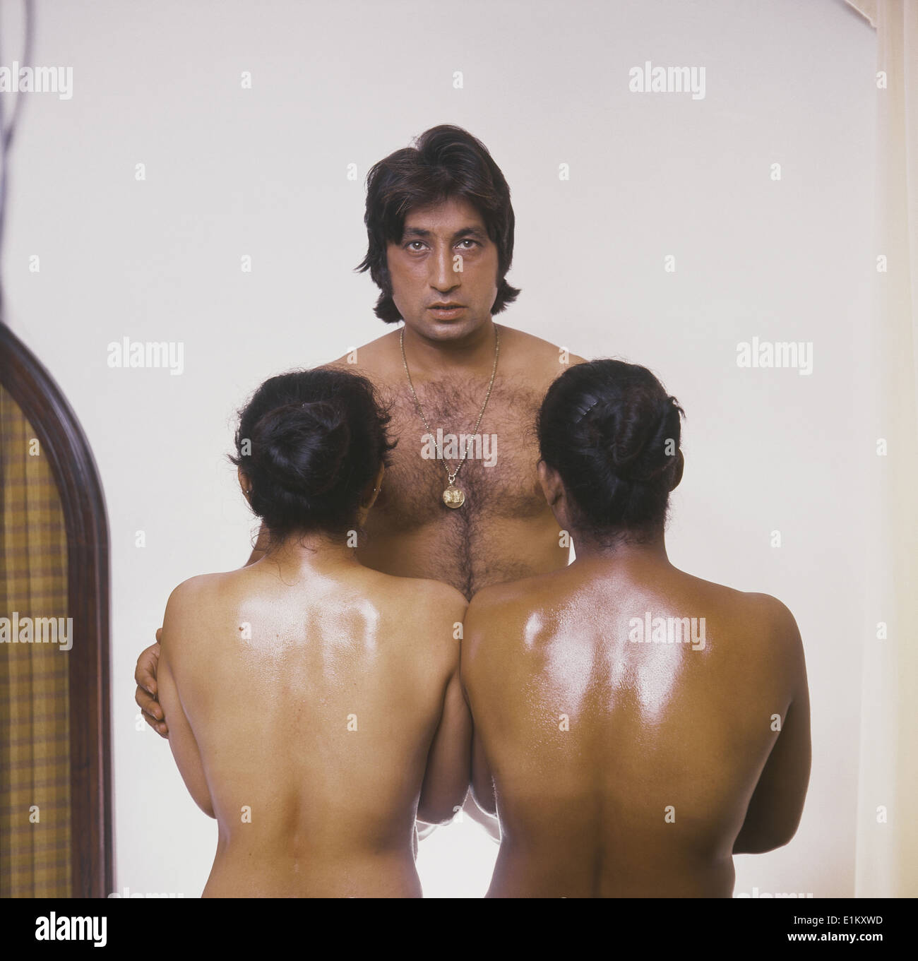 nudeindianheroes-exstreamly-old-guys-with-there-nobs-stuck-up-cunts