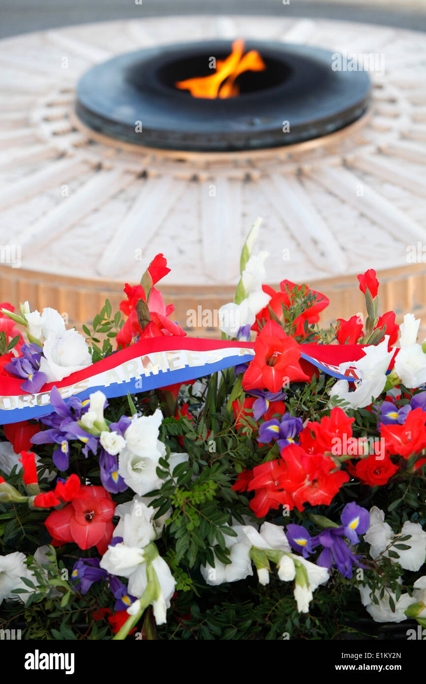 Unknowns removed all the flowers and photos from the site of the murder of Nemtsov 03.28.2015 90