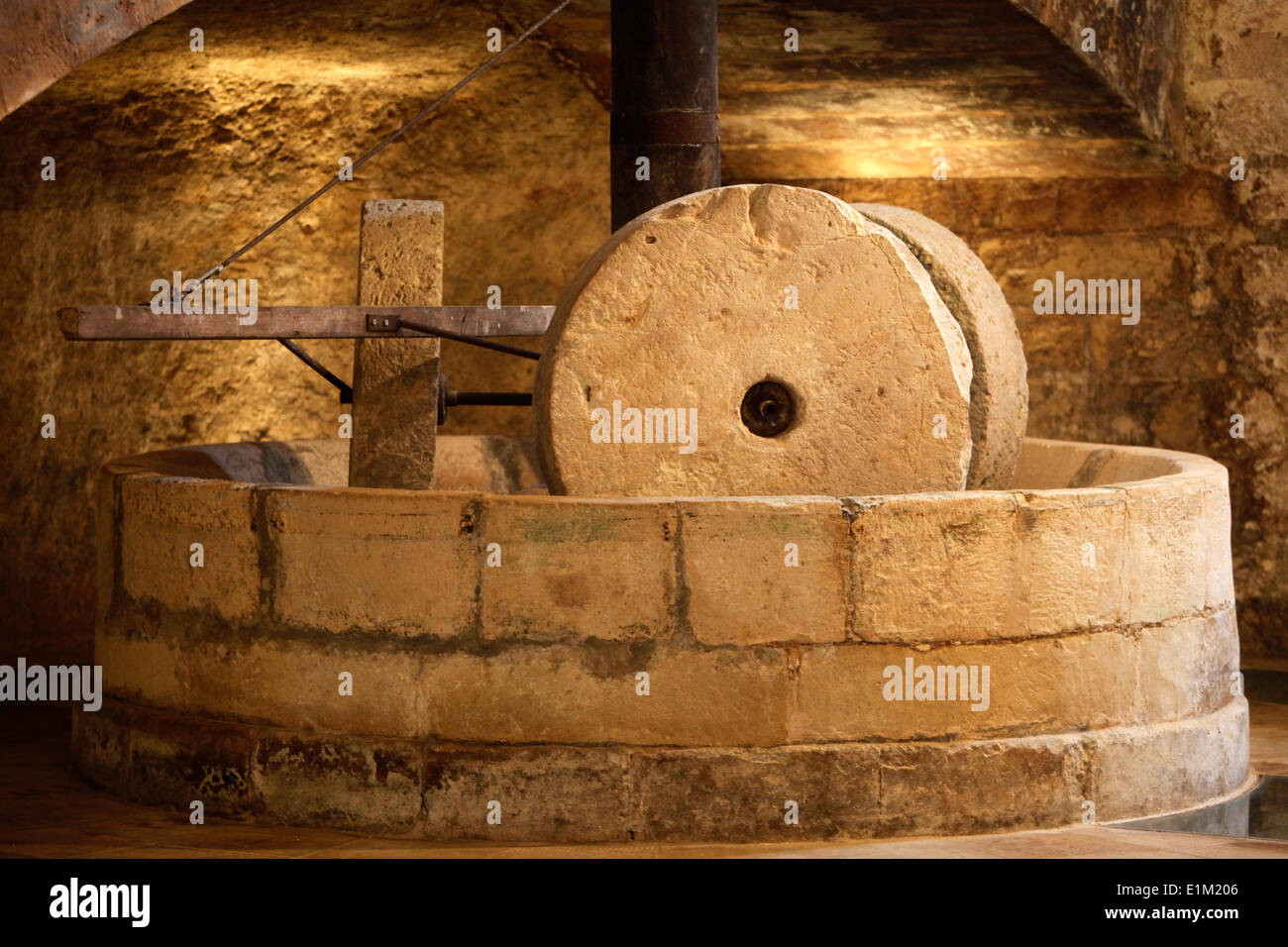 Antique olive press - Stock Image