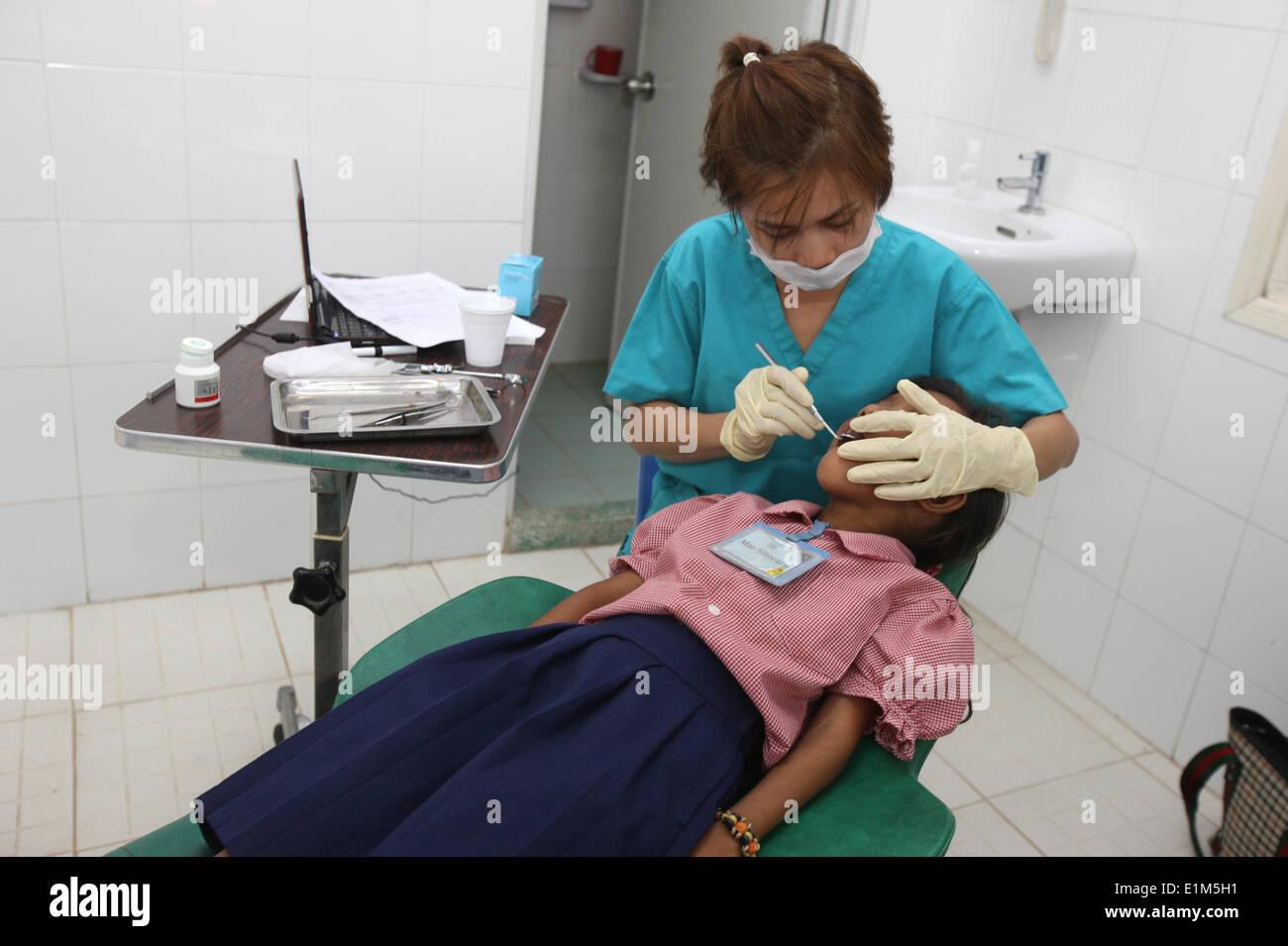 Happy Chandara School.  Dental clinic. - Stock Image