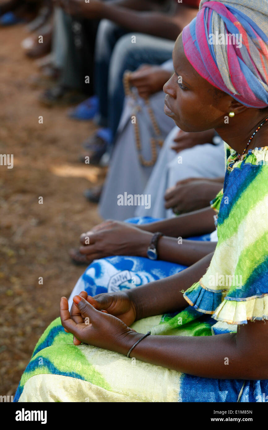 Group of praying Africans - Stock Image