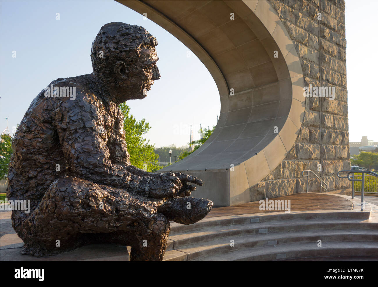 Fred Rogers Memorial Statue In Pittsburgh Pa Stock Photo Alamy