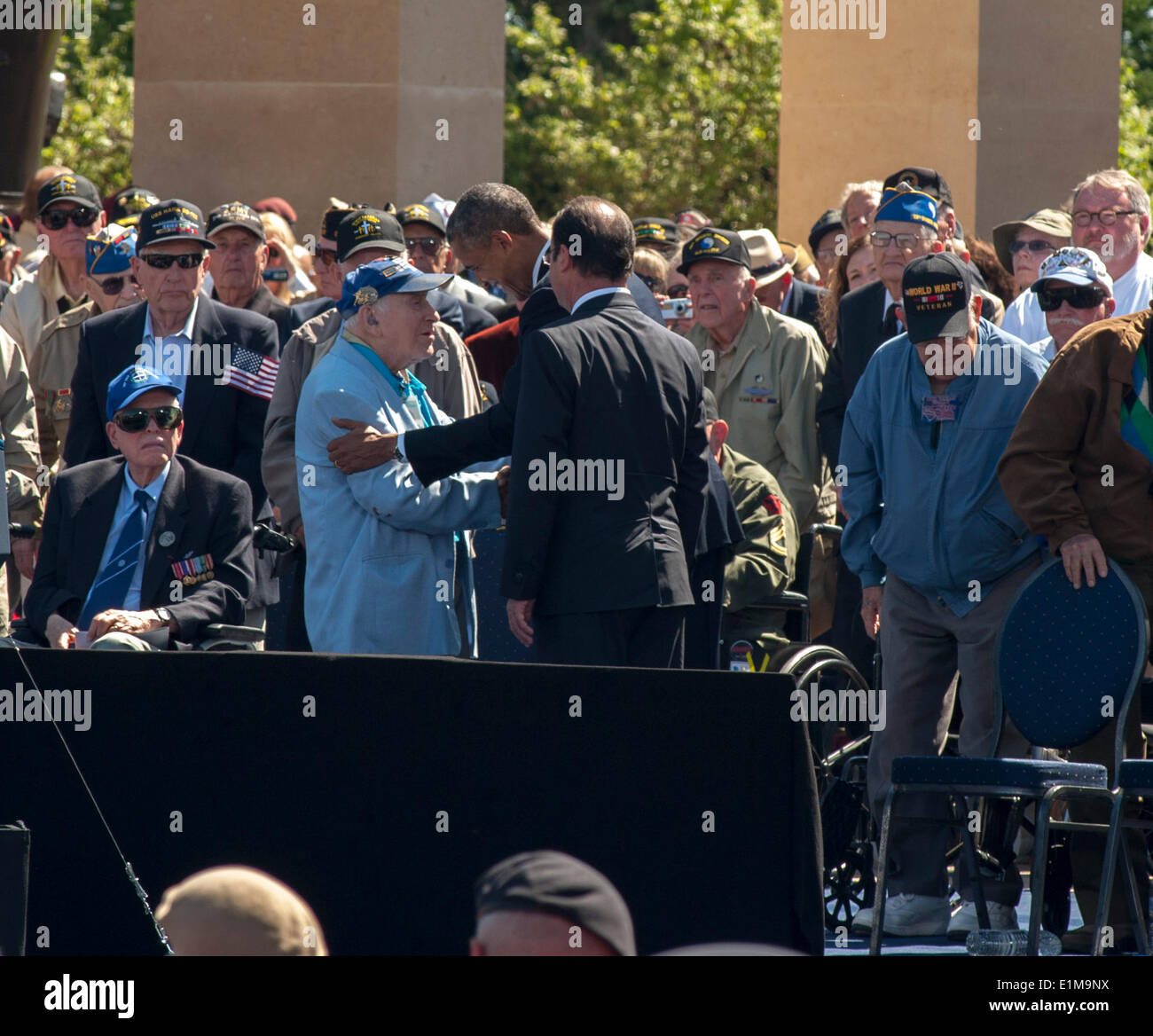 Colleville, Normandy, France. U.S. President Obama and French President François Hollande Greeting WWII Veterans at 6th June, D-Day 70th Anniversary Ceremonies visiting 'World War II'  Cemetery - Stock Image