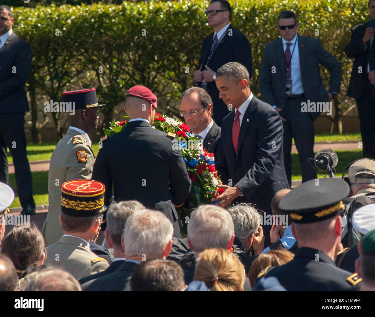 Colleville, Normandy, France. 6th June, President Barack Obama honours the veternas during the D-Day 70th Anniversary Ceremonies visiting 'World War II'  Cemetery - Stock Image