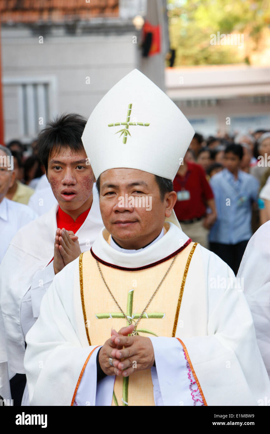 Catholic procession in Ho Ch Minh City. - Stock Image