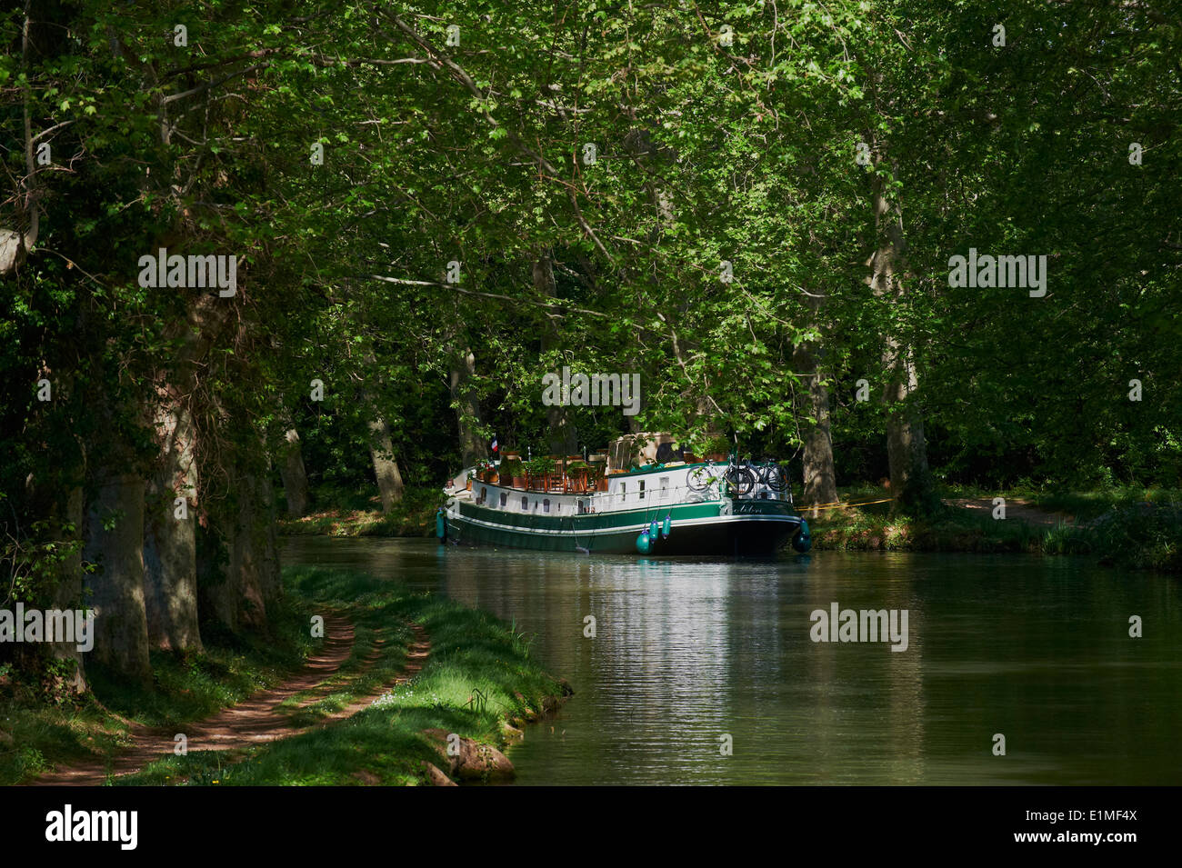 France, Languedoc-Roussillon, Aude (11), navigation on the Canal du Midi - Stock Image