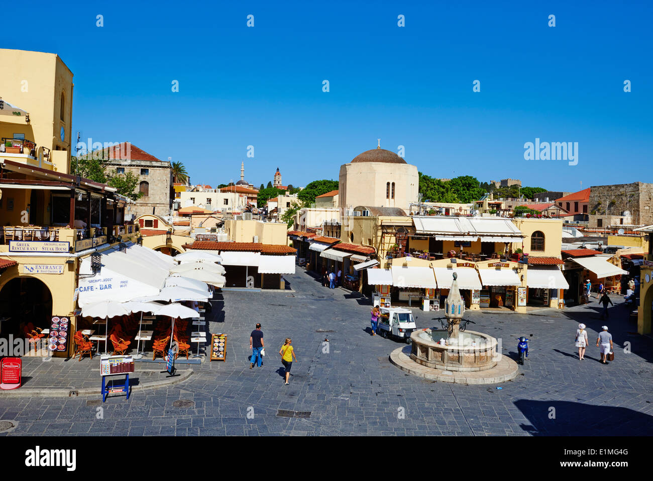 Greece, Dodecanese, Rhodes island, Rhodes city, Unesco word heritage, Ipocratous ( hippocrates ) square - Stock Image