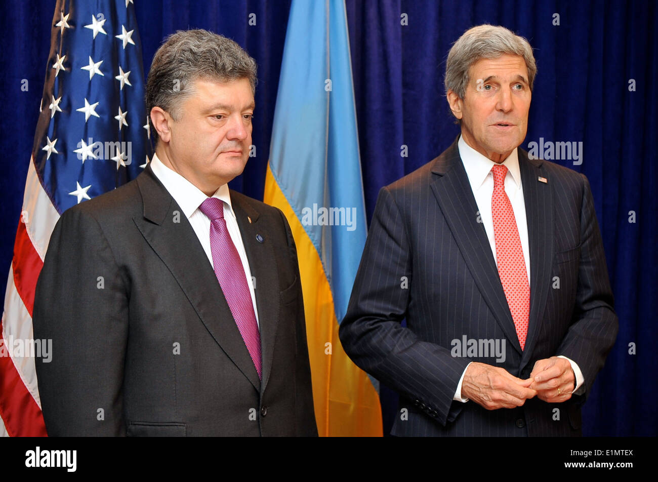 Secretary Kerry, Ukrainian President-elect Poroshenko Address Reporters Before Meeting in Warsaw - Stock Image