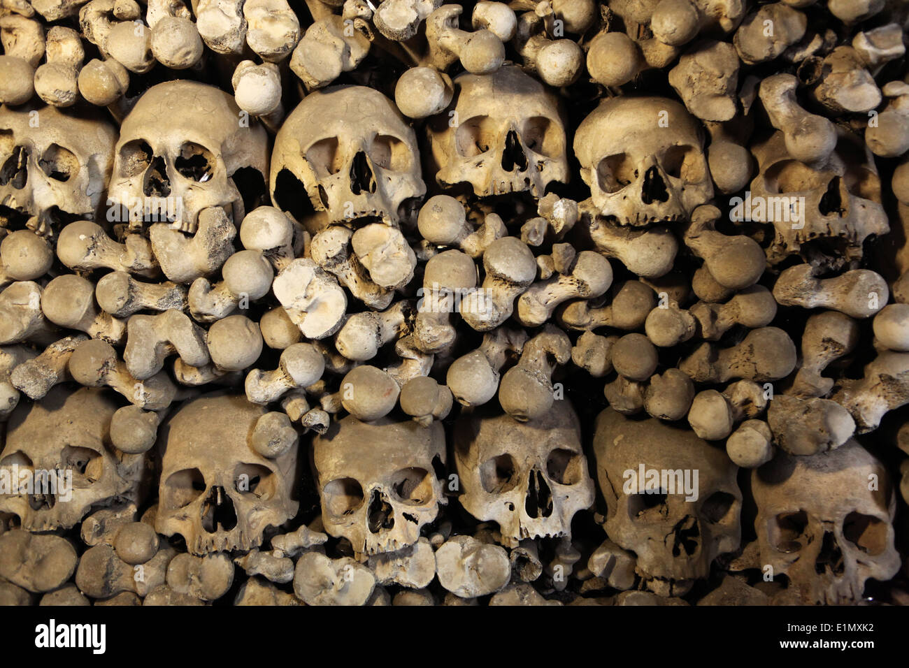 Human bones and skulls in the Sedlec Ossuary in Kutna Hora, Czech Republic. - Stock Image