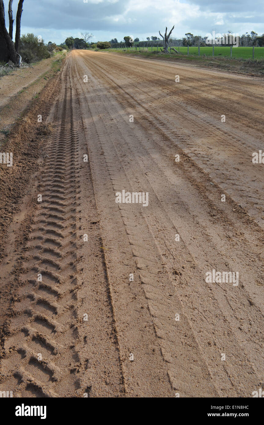 Outback dirt road with tyre tracks, Western Australia - Stock Image