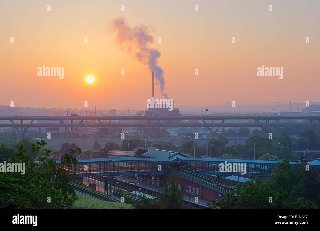 UK,South Yorkshire,Sheffield, Sunrise over Tinsley Viaduct & Blackburn Meadows Biomass Power Station - Stock Image