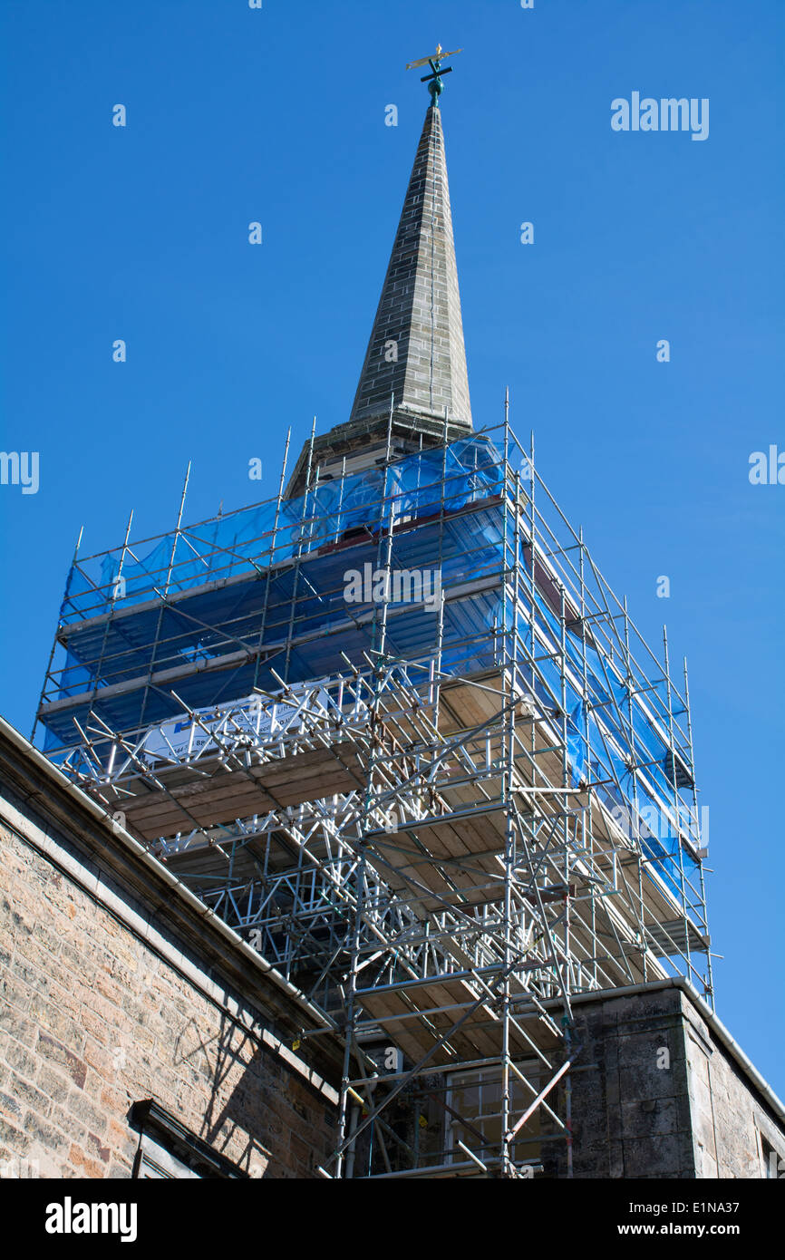 Scaffolding surrounding the spire of Haddington Townhouse - Stock Image