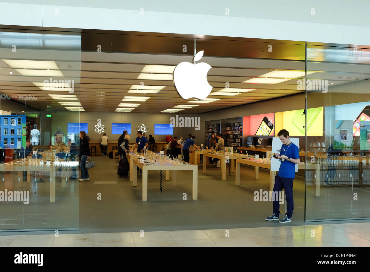 Uk Apple Store Stock Photos & Uk Apple Store Stock Images - Alamy