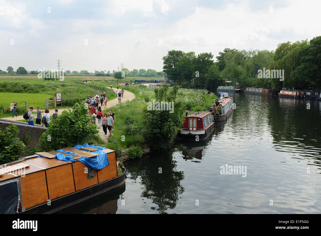 River Lee (or Lea), part of Lee Valley Park, in east London, UK. - Stock Image