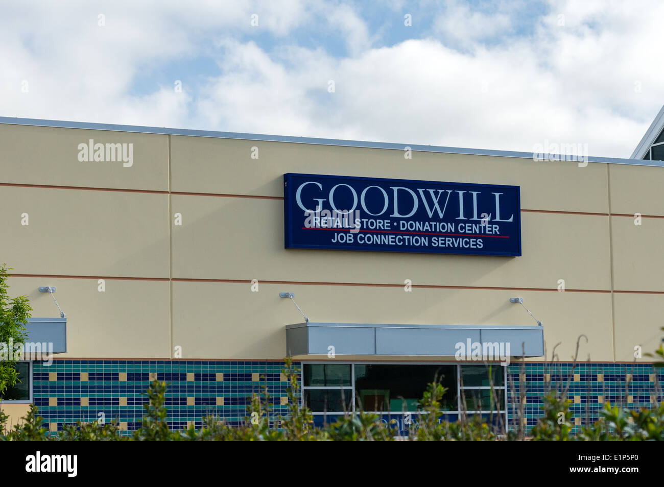 Goodwill Industries sign and building.  Tillamook Oregon - Stock Image