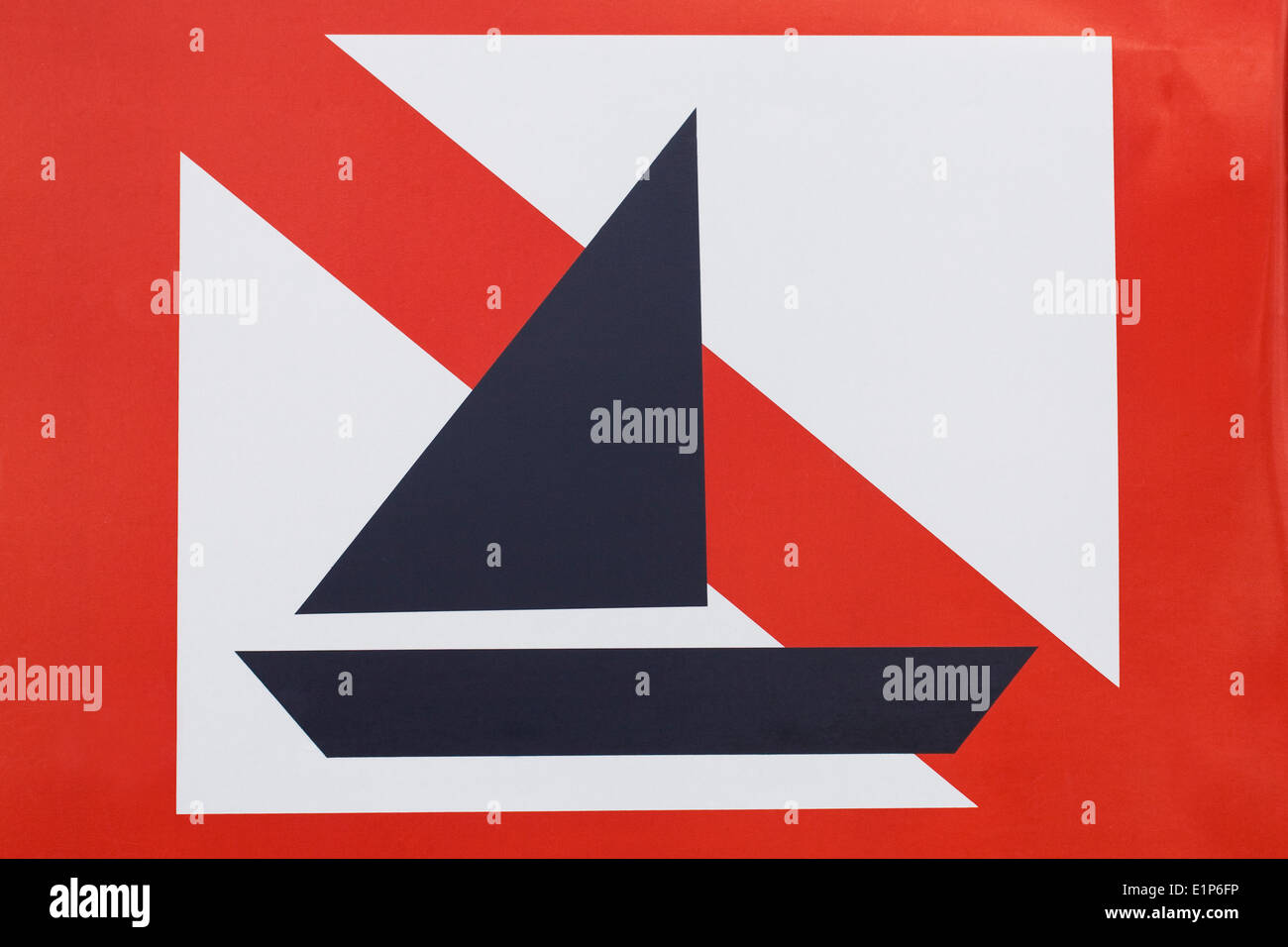 No Yachts sign on the bank of a lake. - Stock Image
