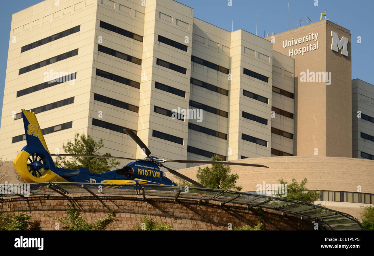 ANN ARBOR, MI - JUNE 3: Survival Flight helicopter sits at its helipad at the University of Michigan hospital on June 3, 2014 - Stock Image