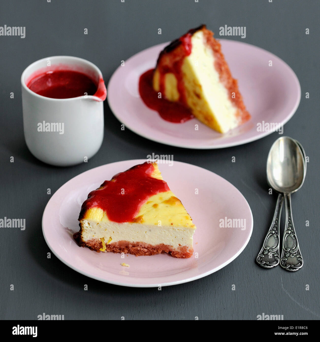 Pink biscuit cheesecake - Stock Image