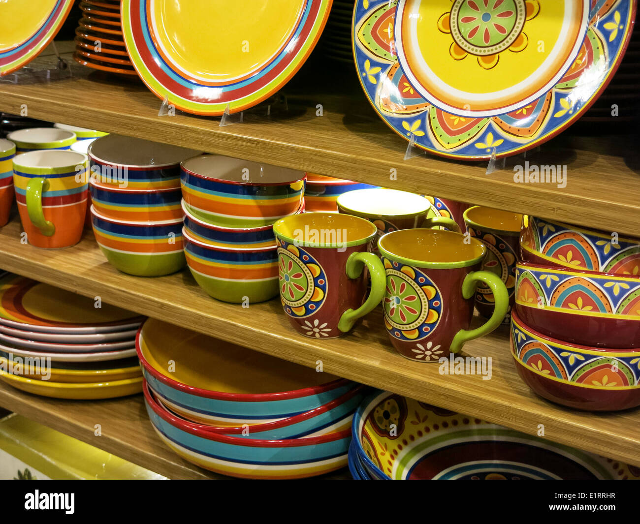 Pottery Display in Pier 1 Imports NYC & Pottery Display in Pier 1 Imports NYC Stock Photo: 69979555 - Alamy