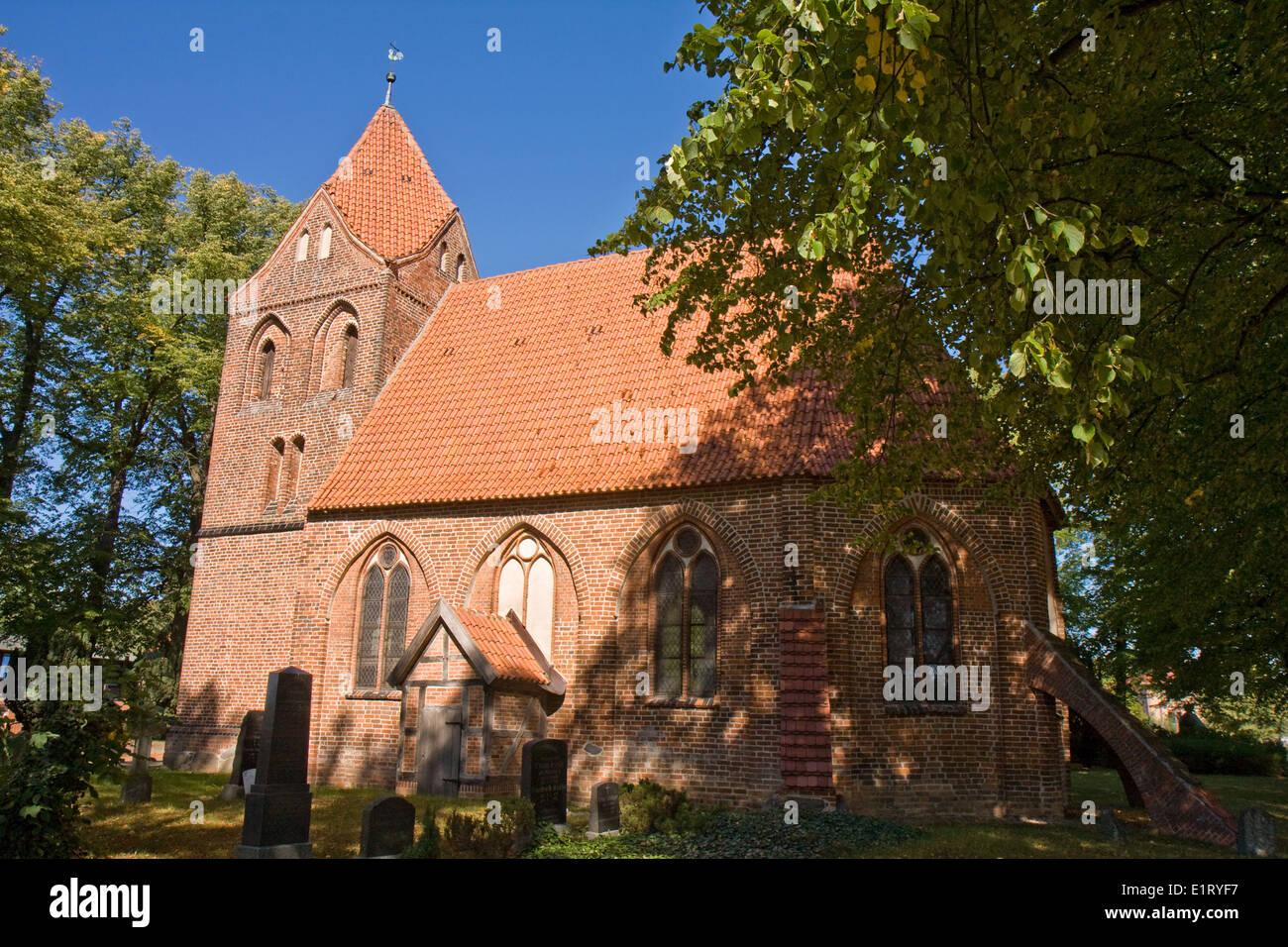 Europa, Deutschland, Mecklenburg-Vorpommern, Dorf Mecklenburg, Kirche - Stock Image