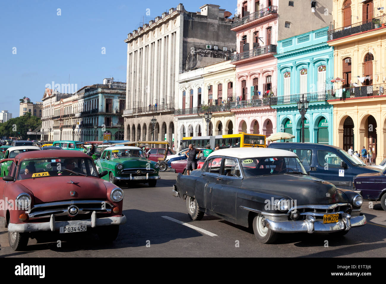 Classic american cars in the streets of Havana, Cuba - Stock Image