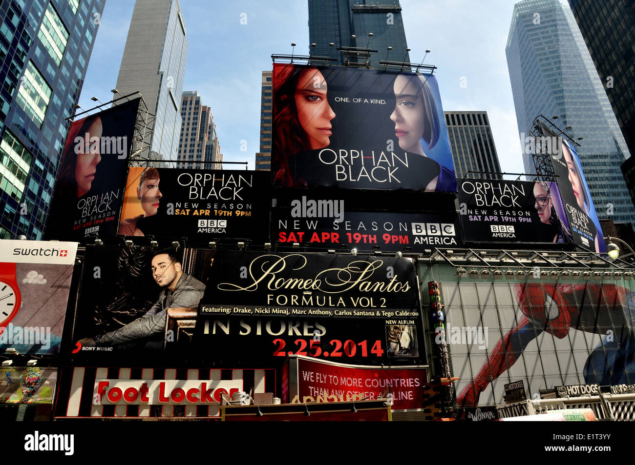 New York City: Giant advertising billboards in Times Square - Stock Image