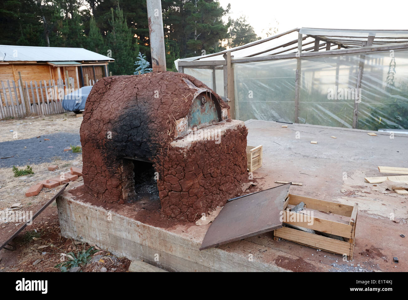 home made adobe oven los pellines chile - Stock Image