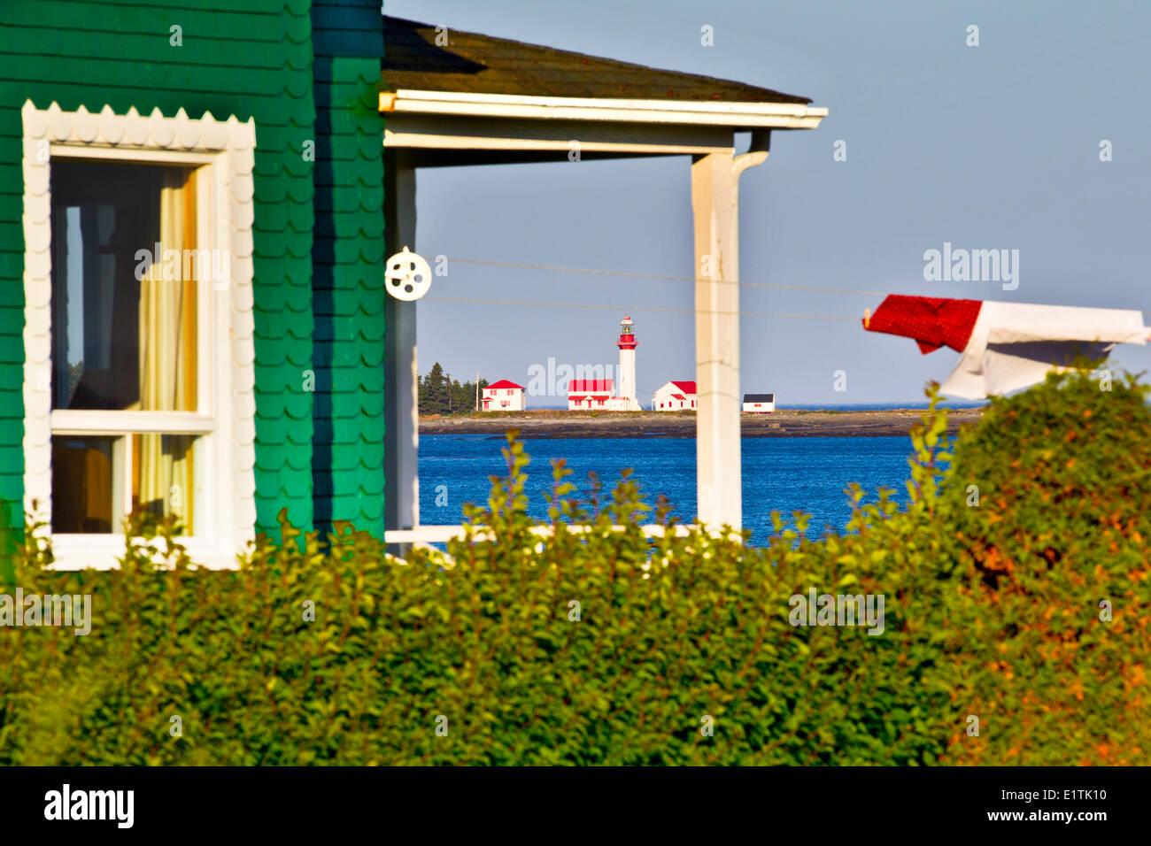Lighthouse and Clothesline, Métis-sur-Mer, Québec, Quebec, Canada - Stock Image