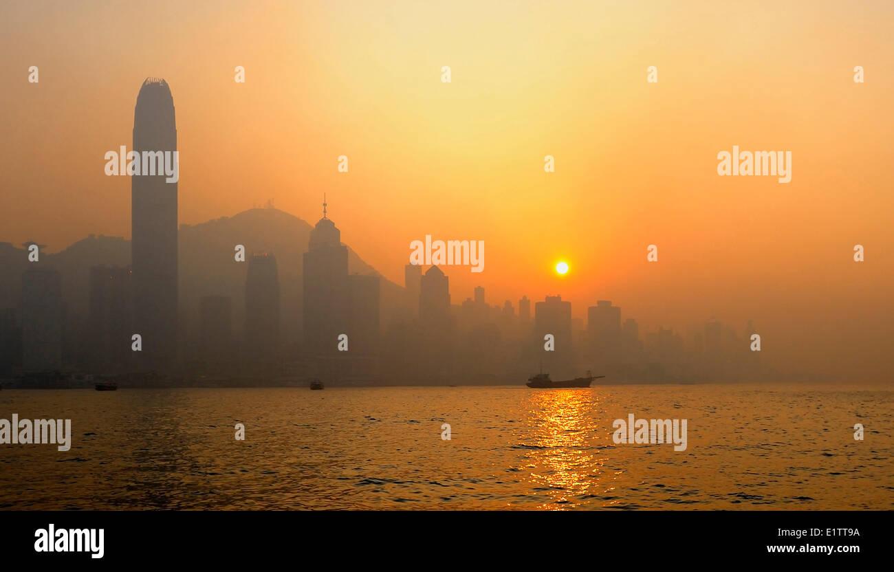 Victoria Harbour, Sunset, Hong Kong SAR, P.R China - Stock Image