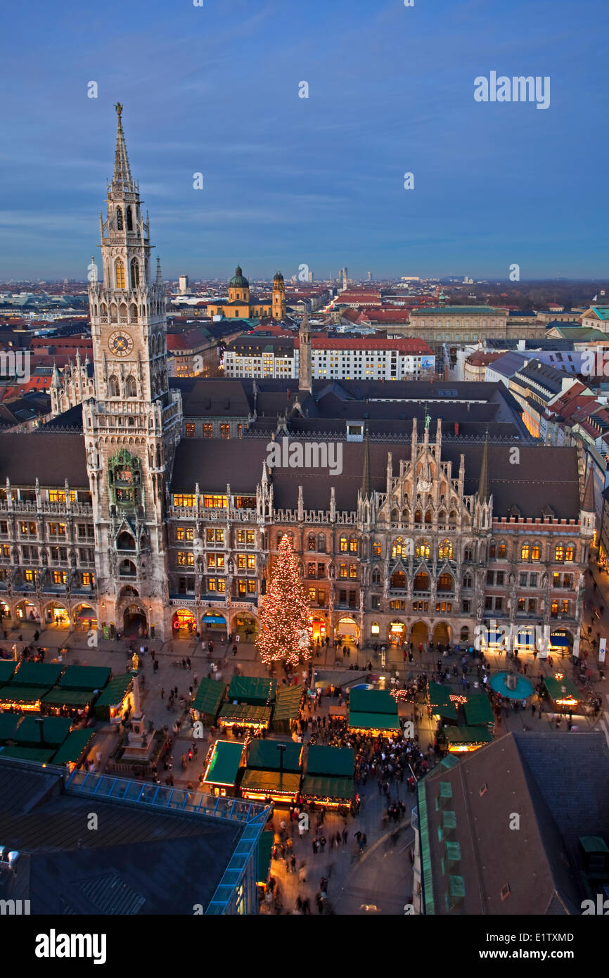 Aerial view the Christkindlmarkt (Christmas Markets) in the Marienplatz outside the Neues Rathaus (New City Hall) Stock Photo