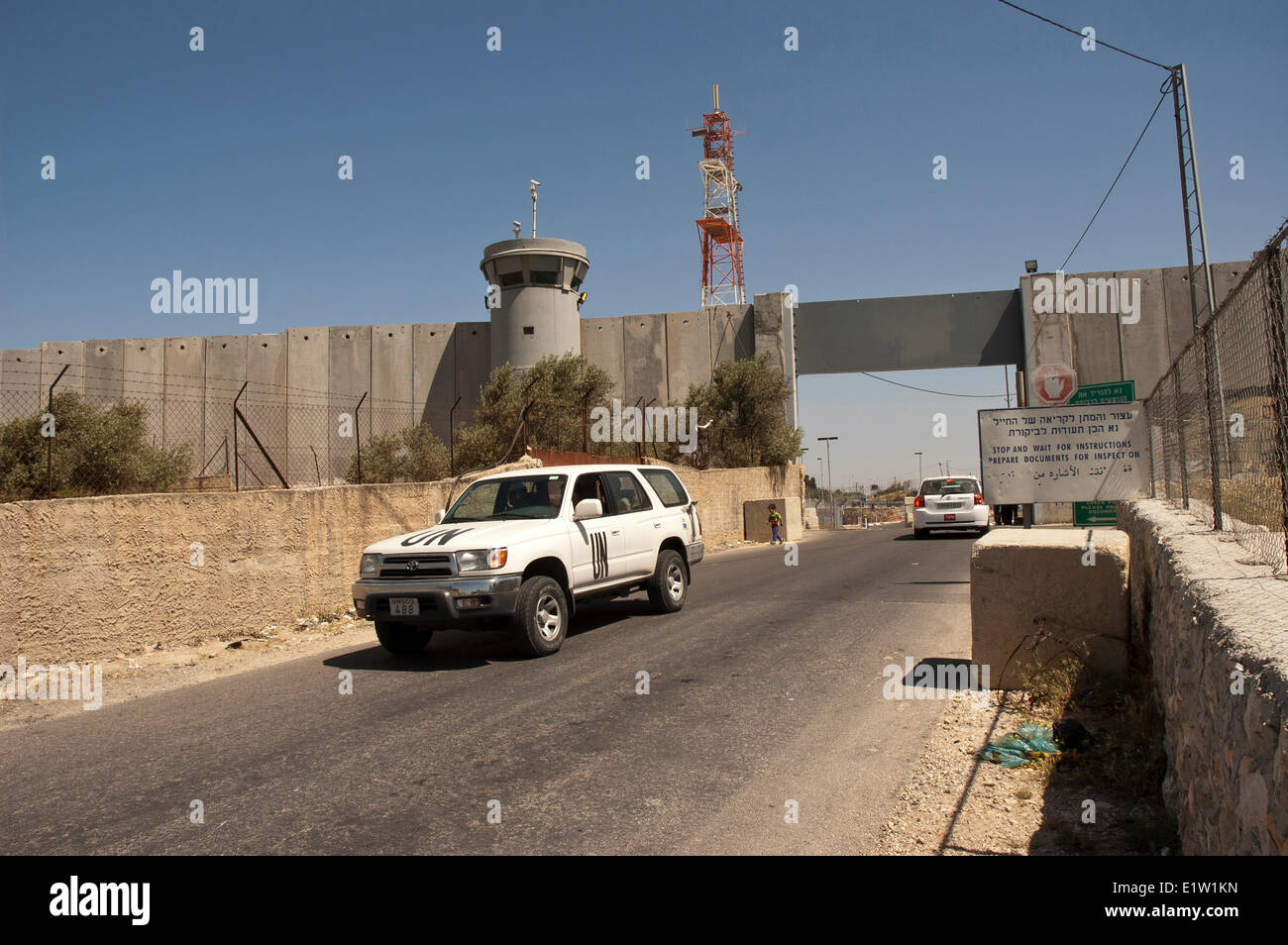 UN vehicle leaving the West Bank, Palestine Israel - Stock Image