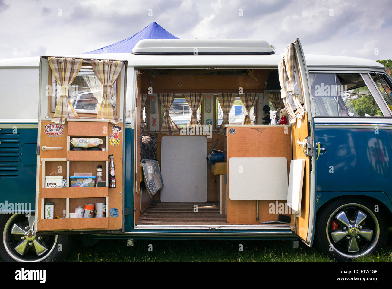 Charmant VW Split Screen Volkswagen Camper Van Interior At A VW Show. England    Stock Image