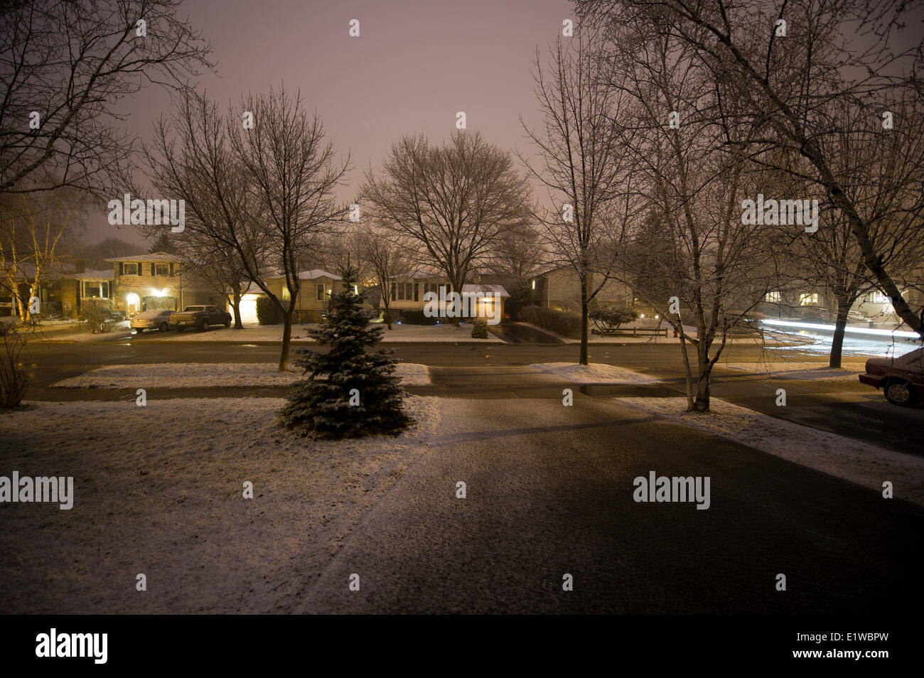 Suburban street at night. Oakville, Ontario, Canada - Stock Image