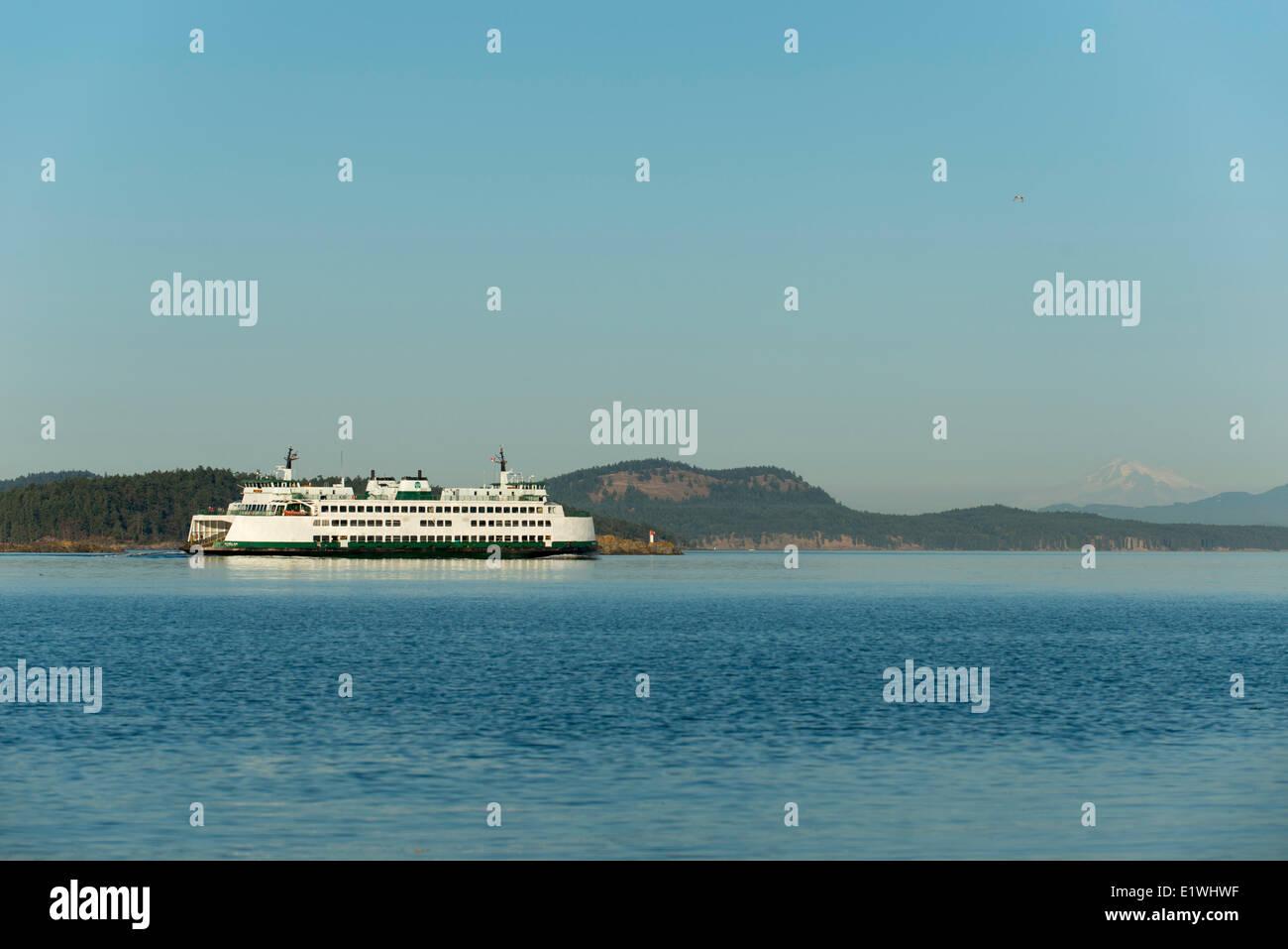 Washington State Ferry, Chelan, departs Sidney, British Columbia, Canada - Stock Image
