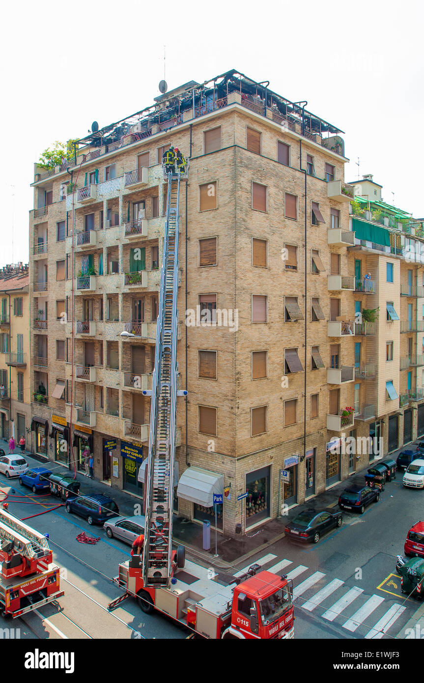 Piedmont Turin, Italy. 10th June, 2014. A fire in Via Nizza 90. Prompt intervention of the Fire Service has reduced - Stock Image