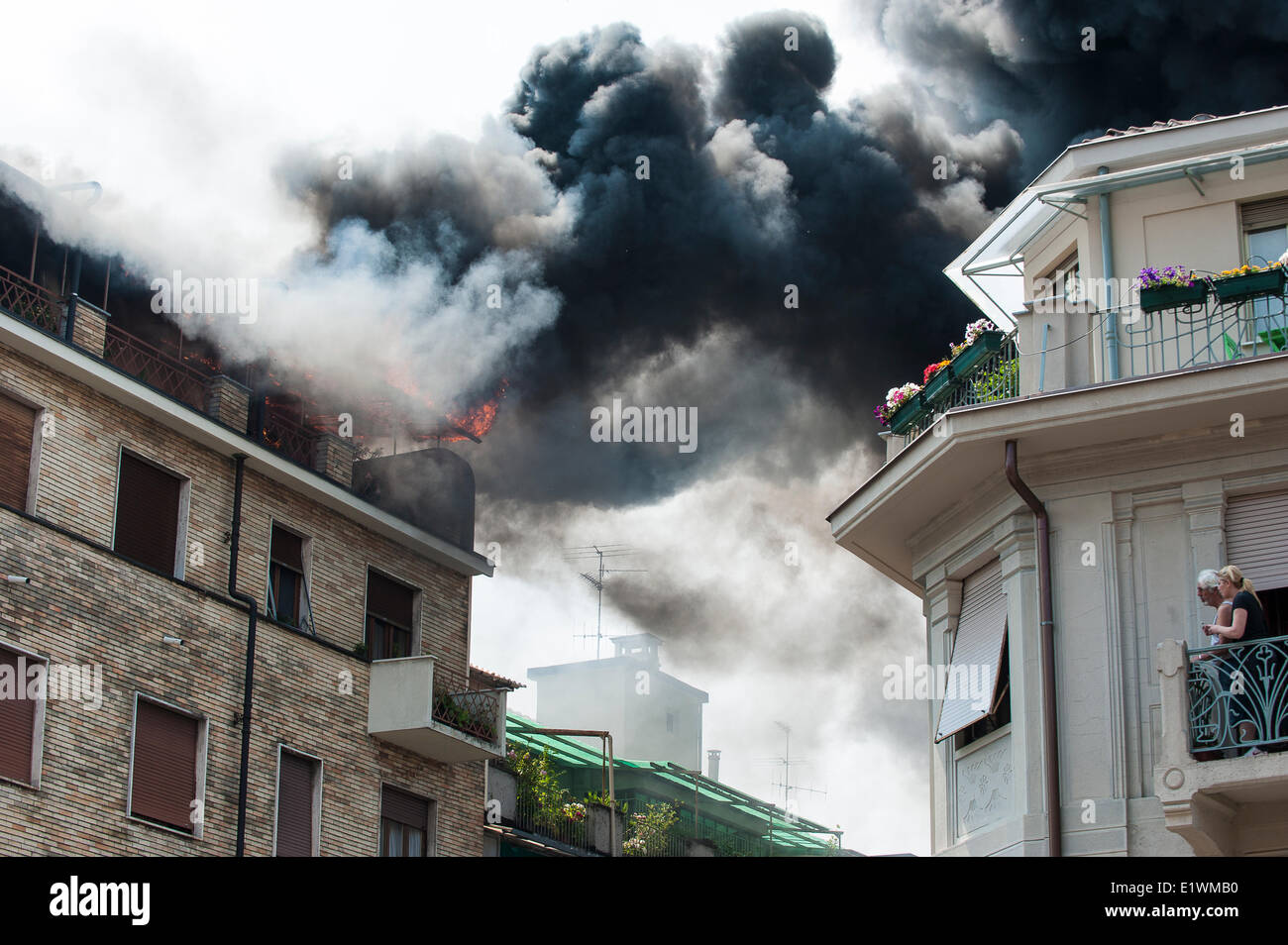 Italy Piedmont Turin A fire  in Via Nizza 90 Credit:  Realy Easy Star/Alamy Live News - Stock Image