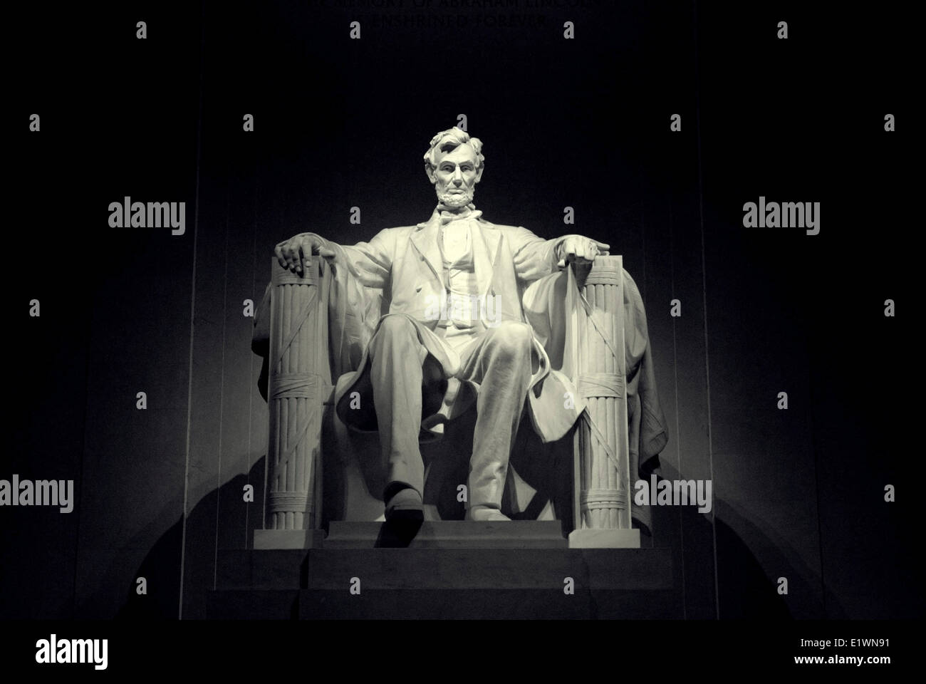 A close up frontal view of the Lincoln Statue in the Lincoln Memorial, Washington DC - Stock Image