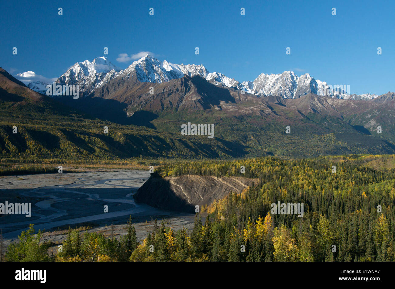 Scene of first snows on Chugach Mountains and Matanuska River along Glenn Highway, Alaska, USA - Stock Image