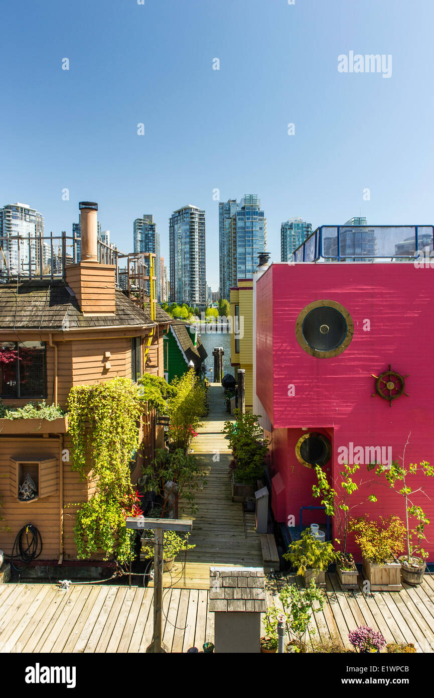 Floating homes in false creek. A small community of home owners living on the water. - Stock Image