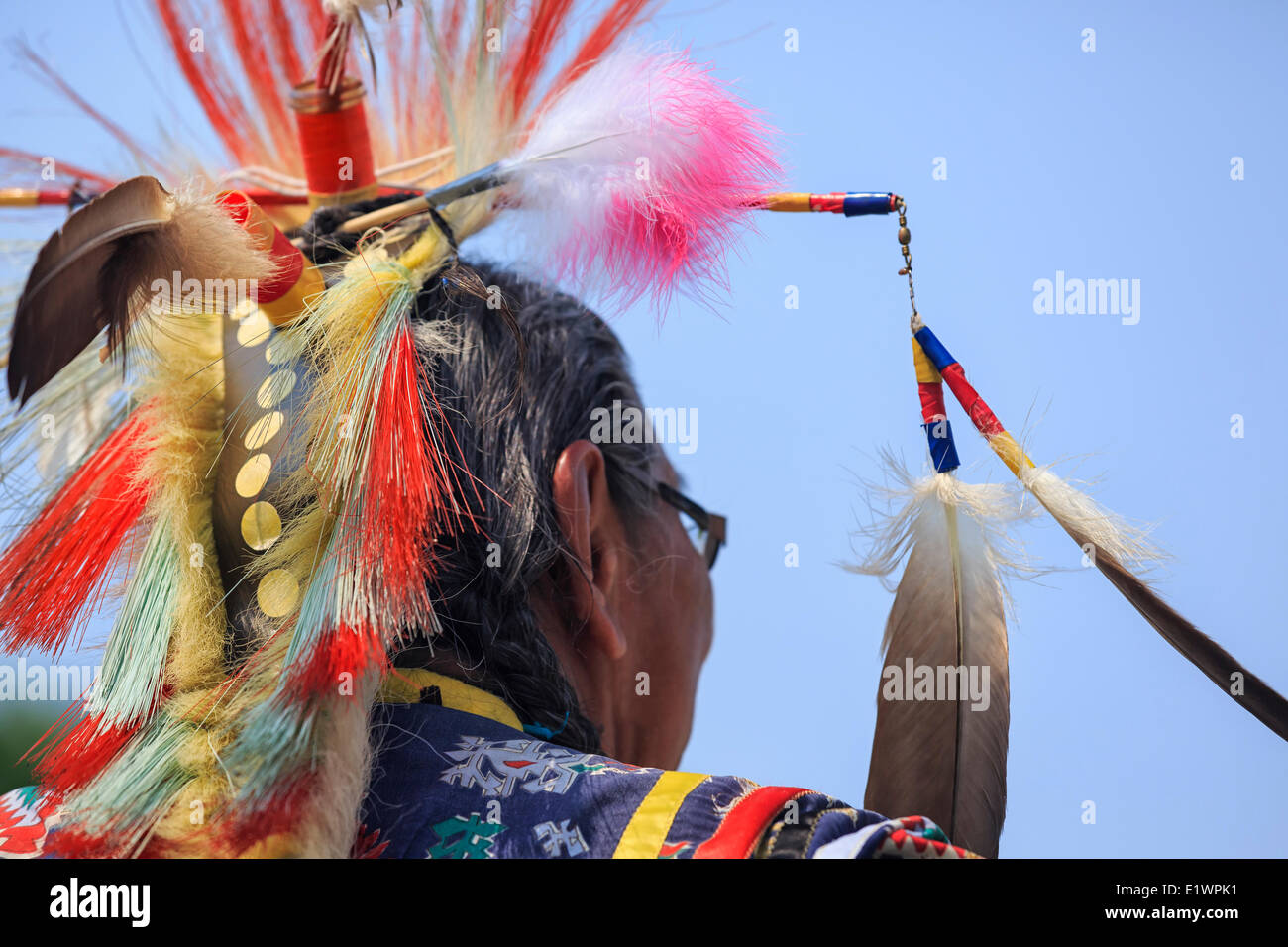 First Nations Elder in traditional headdress, Winnipeg, Manitoba, Canada Stock Photo