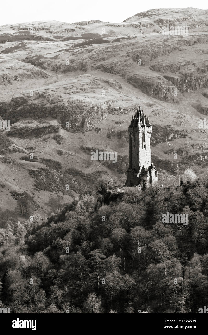 National Wallace Monument standing on a hill overlooking Stirling Castle in Scotland Stock Photo