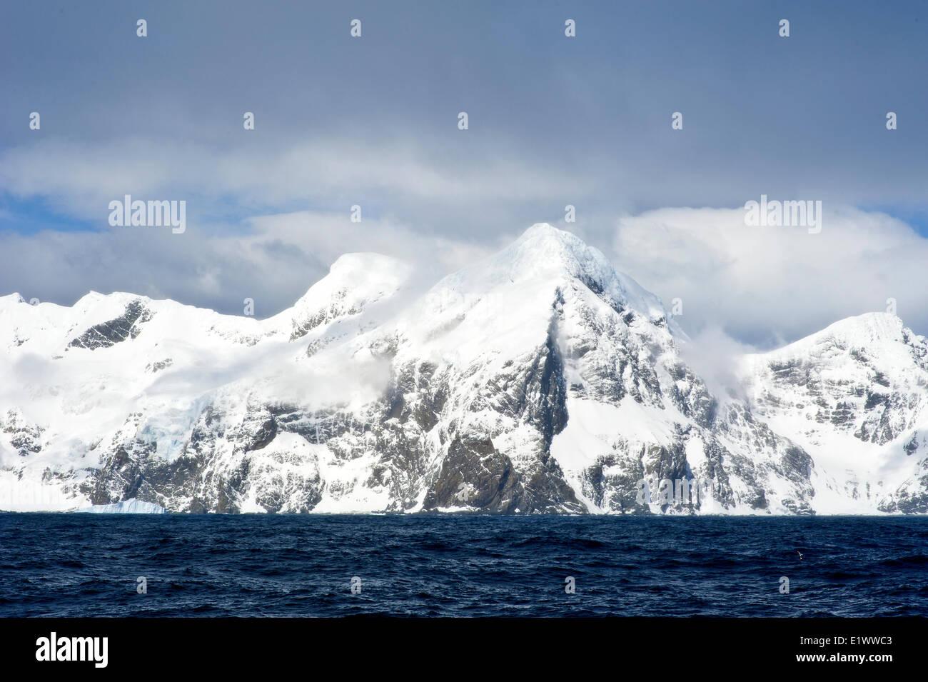 Elephant Island, South Shetland Islands, Antarctic Peninsula. Location of Shackelton expedition overwintering site. - Stock Image