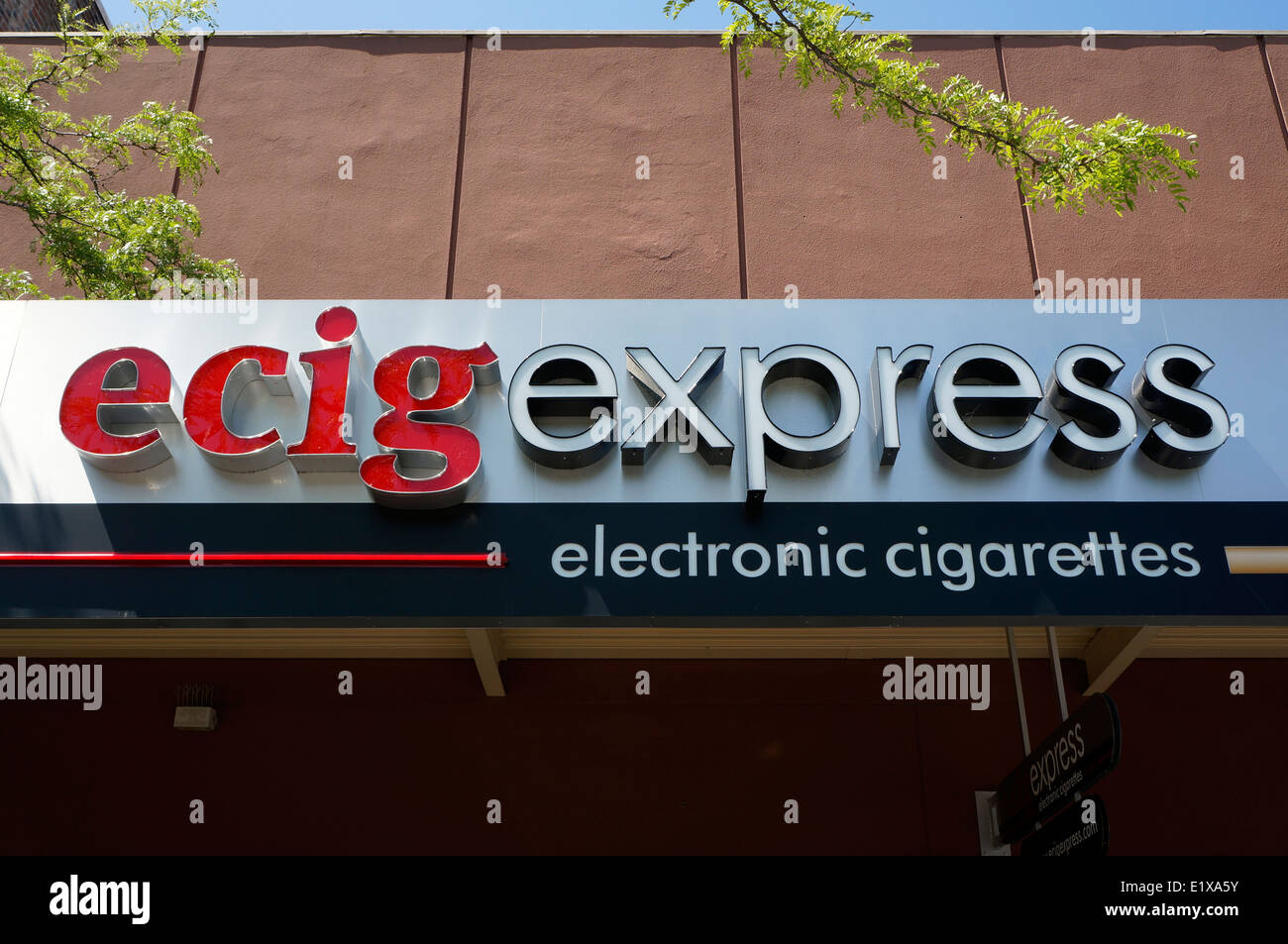 Electronic cigarettes store sign in Bellingham, Washington state, USA - Stock Image