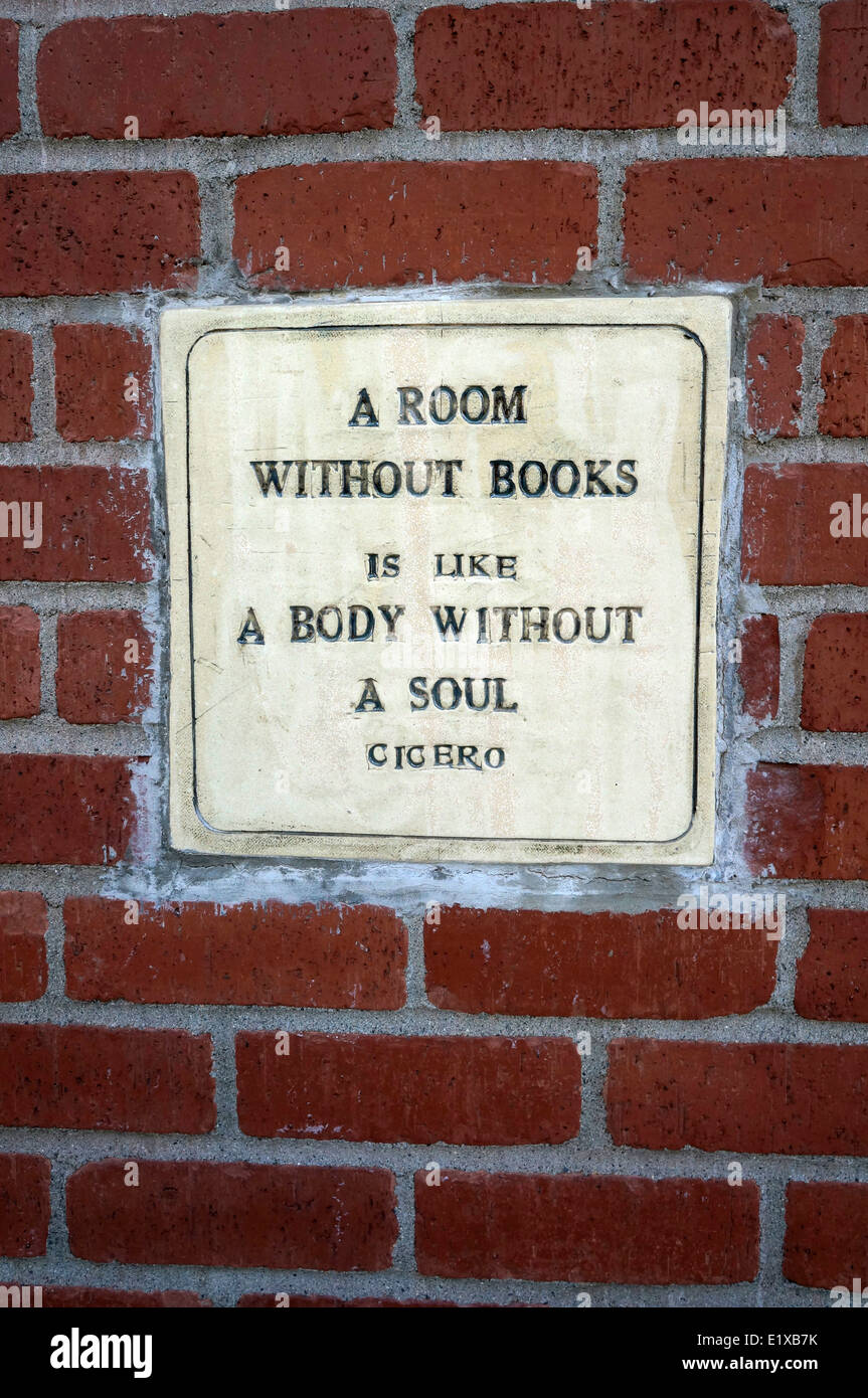 Wall plaque with Cicero quote, Village Books in Fairhaven, Bellingham, Washington state, USA - Stock Image