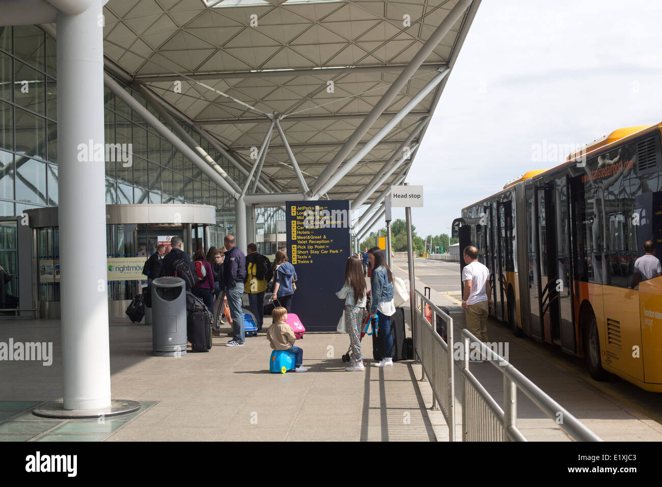 Stansted Airport And Drop Off Stock Photos Stansted Airport And