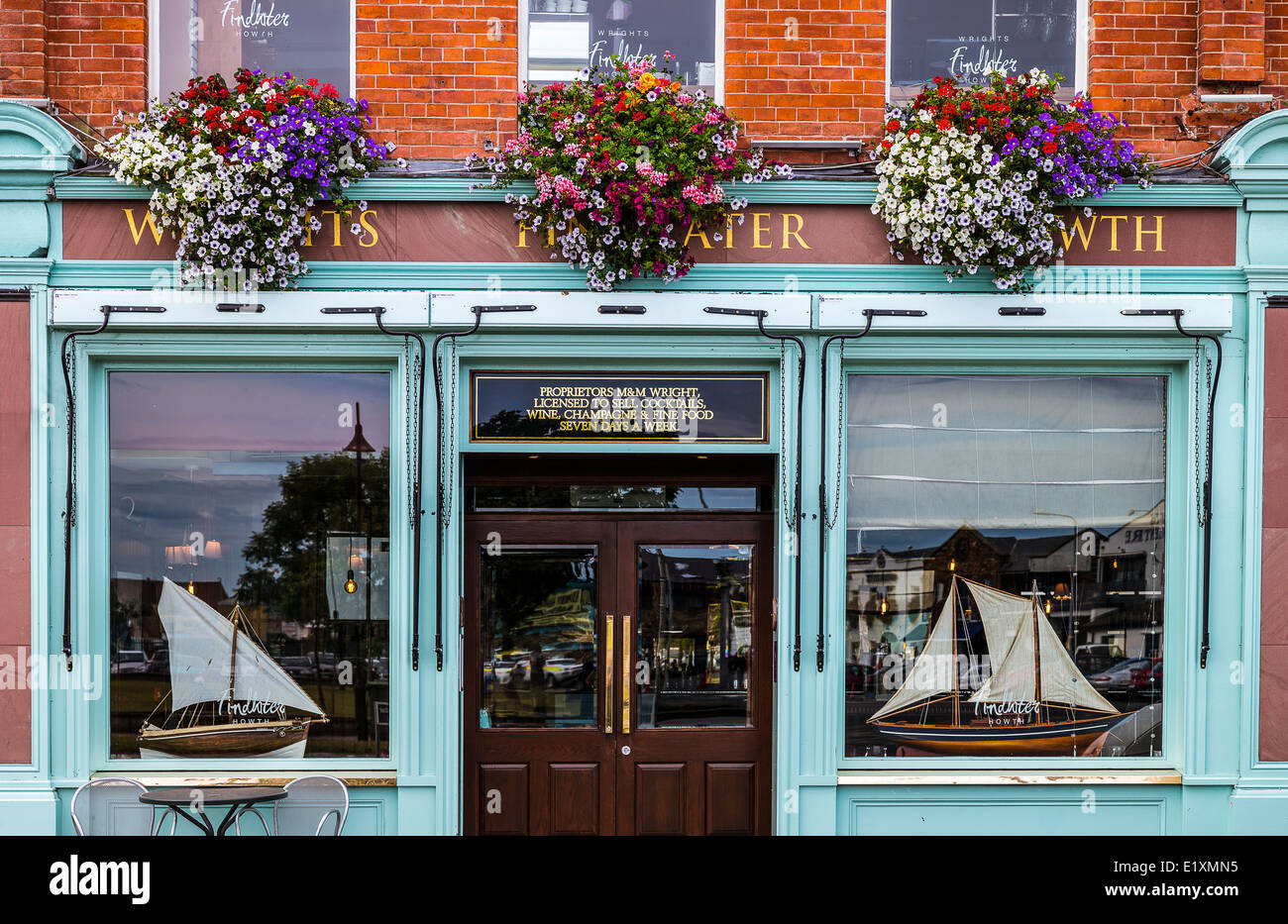 Ireland, Dublin county, the shops of the Howth harbor - Stock Image