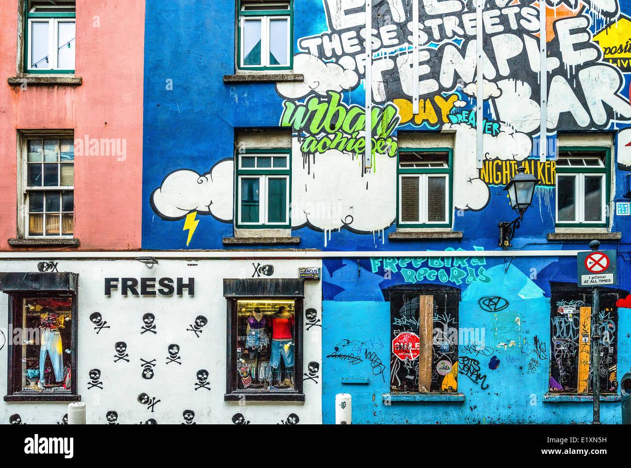 Ireland, Dublin, shops of the Temple Bar quarter - Stock Image