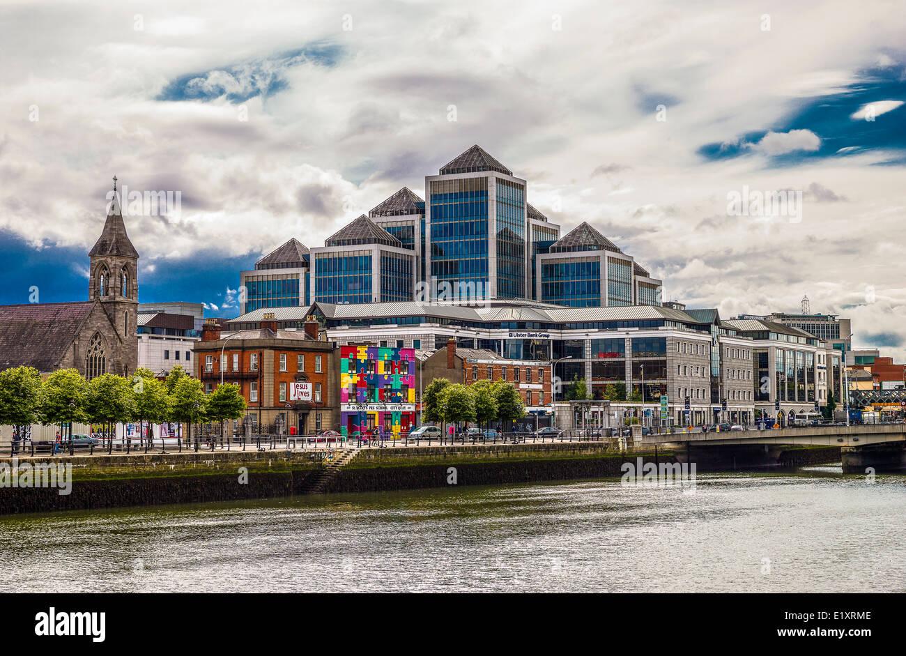 Ireland, Dublin, Nord Wall quay, view of the Finanacial Center palaces - Stock Image