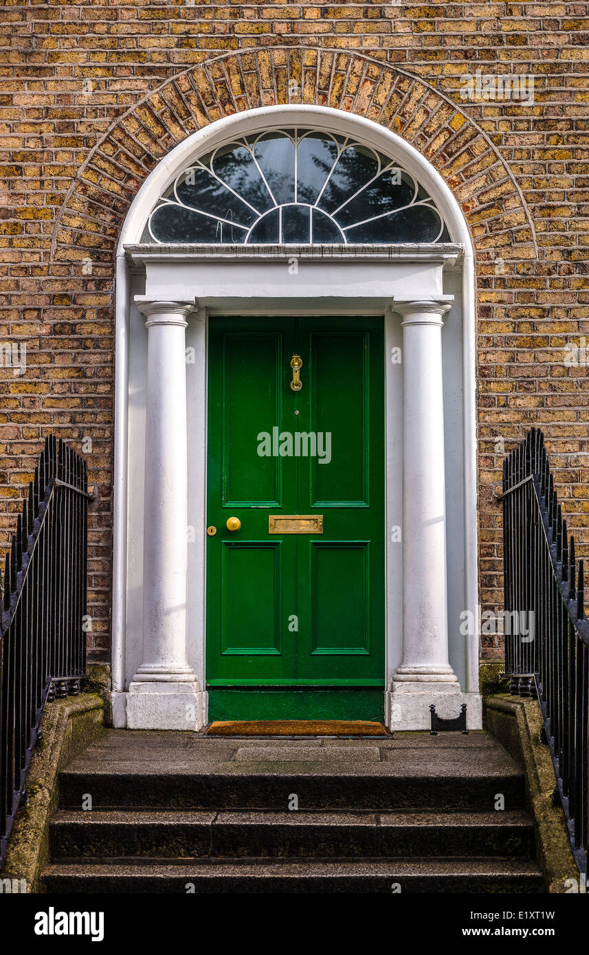 Ireland, Dublin, a door in Merchant's quay - Stock Image